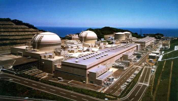 Nuclear Bomb vs Atomic Bomb Size