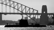 Coming up for Air: Making Sense of the Australian 'Future Submarines' Debate