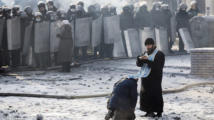 Russian Society and the Conflict in Ukraine: Masses, Elites and Identity