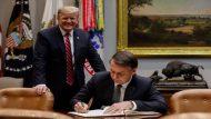 (Washington, DC - EUA 19/03/2019) Presidente da República Jair Bolsonaro assina o livro de visitas da White House. Foto: Alan Santos/PR